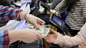 US Consumer Spending Weak in May, While Inflation Speeds Up