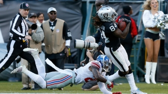 Giants Lose to Raiders, 24-17