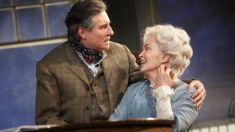 Review: Lange, Byrne in First-Rate 'Journey'