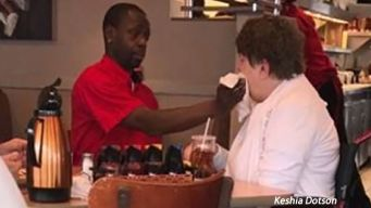 Waiter's Act of Kindness Goes Viral