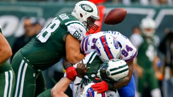 Smith, Vick Struggle as Bills Rout Jets 43-23