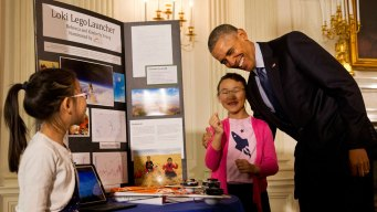 Obama Touts US Ingenuity at WH Science Fair