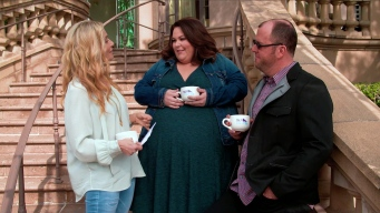 """Chrissy Metz & Chris Sullivan Cry Too When Watching """"This Is Us"""""""