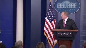 Patriots' Rob Gronkowski Crashes White House Press Briefing
