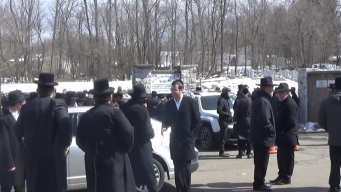 Mourners Flock to NY for Rabbi Funeral
