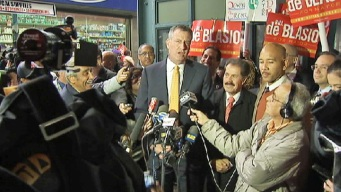 With Massive Lead, de Blasio Plays It Safe on the Trail