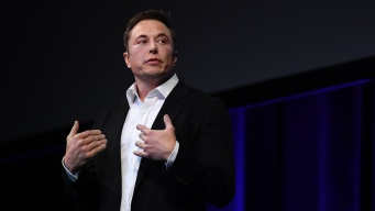 Musk Says He's Sleeping at Tesla, Has No Time to Shower