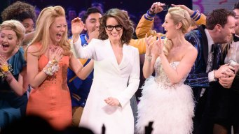 Tina Fey Joins Broadway Stars for Concert to Aid Migrants