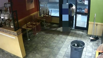 Broom-Wielding Popeye's Thief Caught on Camera