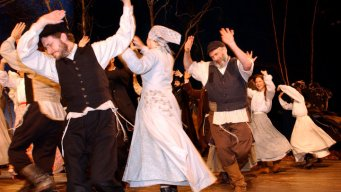 """Fiddler on the Roof"" Returns"