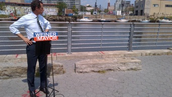 As Spotlight Shifts, Weiner Struggles to Turn Around Campaign