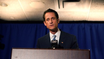 Weiner's Behavior Similar to Addicts: Experts