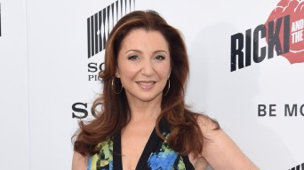 Donna Murphy Takes Over for Bette Midler in 'Hello, Dolly'