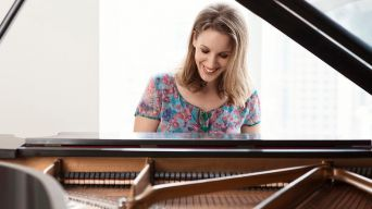 Jessie Mueller to Star as Grammy Winner Carole King