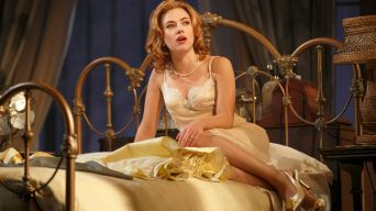 """Cat on a Hot Tin Roof"" Critics' Roundup"