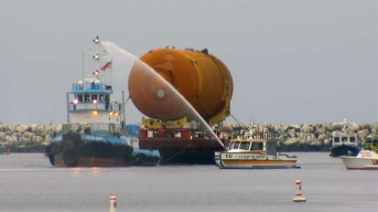 Space Shuttle Fuel Tank to Be Displayed at Calif. Science Center