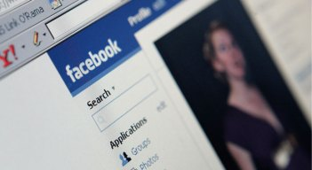 Facebook Can Bore Your Marriage to Death