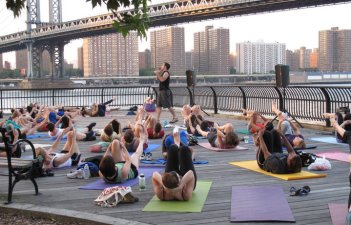 Free Pilates in Brooklyn Bridge Park