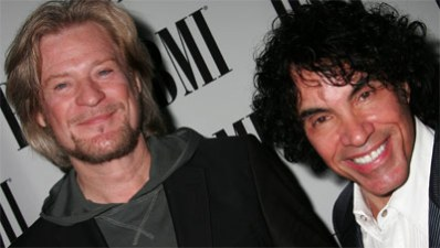 On Sale: Hall & Oates with Chris Isaak Summer NYC Shows