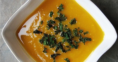 Sarah's Plate: Butternut Squash Soup with Kale-Chip-Croutons