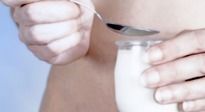 Yogurt, Nuts Help You Lose Weight