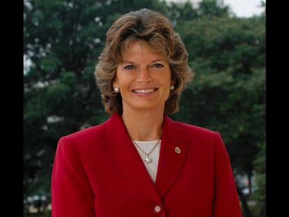 Alaska's Murkowski Poised to Retain Senate Seat As Write-In Candidate