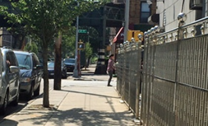 Woman Tries to Lure Girl, 3, Away from Mom in Brooklyn
