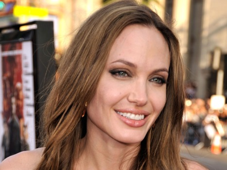 Jolie to Bring Sexy to Cornwell's Medical Examiner