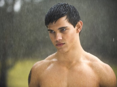 """Stretch Armstrong"" Scribe Promises Shirtless Taylor Lautner"