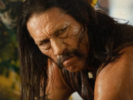 "Robert Rodriguez Believes ""Machete"" Can Be a ""Latin James Bond"""