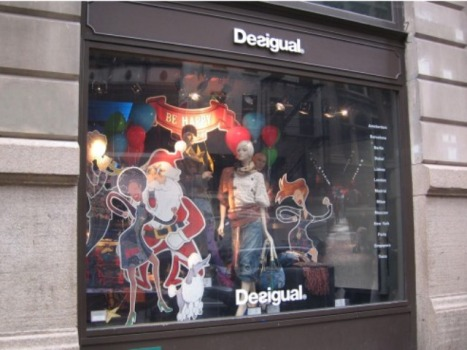Clippings: Worst Holiday Windows Edition