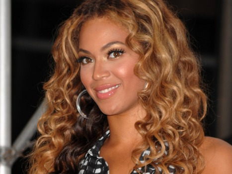 Clippings: Beyonce's $30,000 Shopping Spree Edition