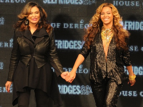 One Shot: Beyonce on the Runway at London Fashion Week