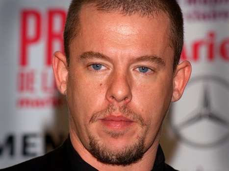 Report: McQueen Hanged Himself