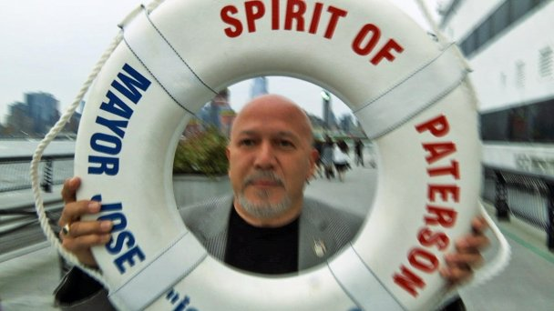 NJ Mayor Fends Off Reporter Questions With Life Preserver