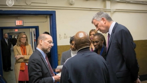 EXCLUSIVE: Mayor Visits NYC Homeless Shelter