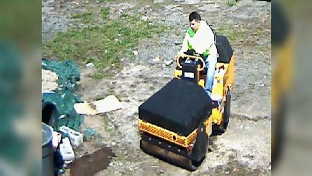 [NY] Police Searching for Steam Roller Bandit