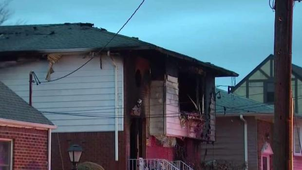 [NY] 2 Kids Among 3 Hurt in New Hyde Park House Fire