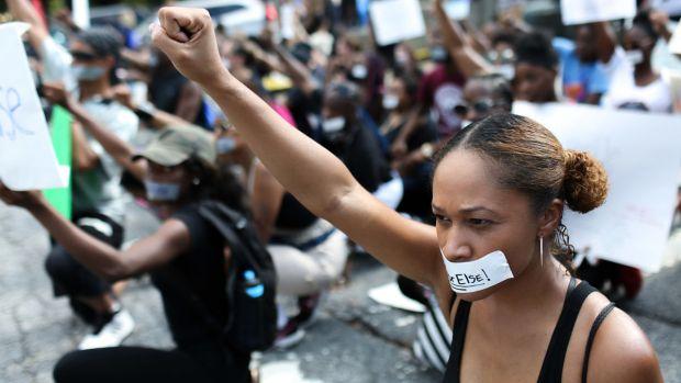 [NATL] Photos: Police Shootings of Black Men Spark Protests Across U.S. Cities