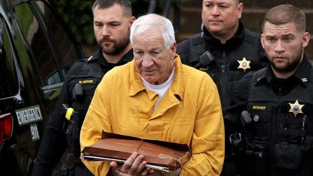 [NATL] Top News Photos: Jerry Sandusky Resentenced to 30 to 60 Years, More