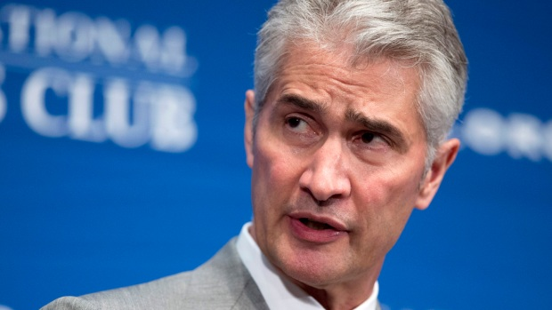 [NY] United CEO Jeff Smisek Steps Down Amid Federal Investigation