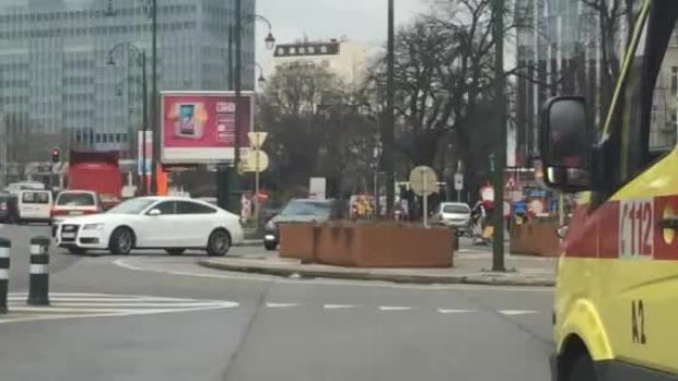 [NATL] Ambulances Leave Brussels Metro Station After Blast