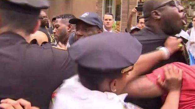 [NY] Arrests Made at Garner Protests Outside Gracie Mansion