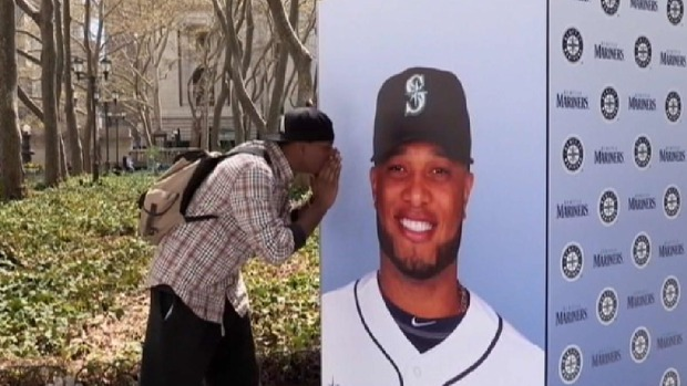 [NATL] Robinson Cano Pranks Yankees Fans