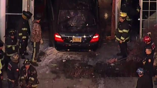 [NY] Car Smashes Into Long Island Home With Couple Inside