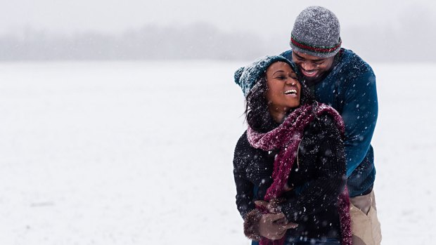 [NATL] Couple Takes Engagement Photos During Blizzard