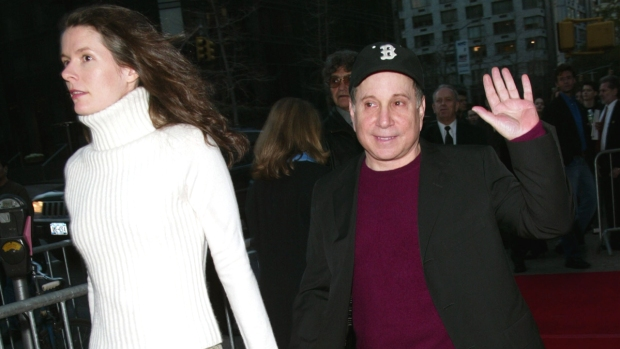[NY] New Canaan Police Chief Comments on Edie Brickell and Paul Simon Arrest