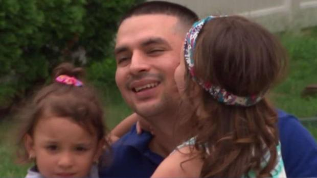 [NY] Emotional Reunion for Immigrant Dad After Release