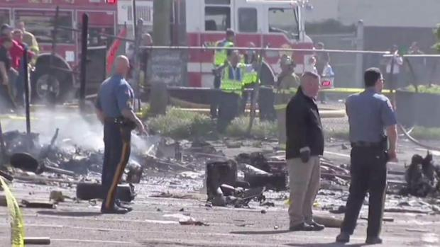 [NY] Federal Investigators to Sift Through Plane Wreckage