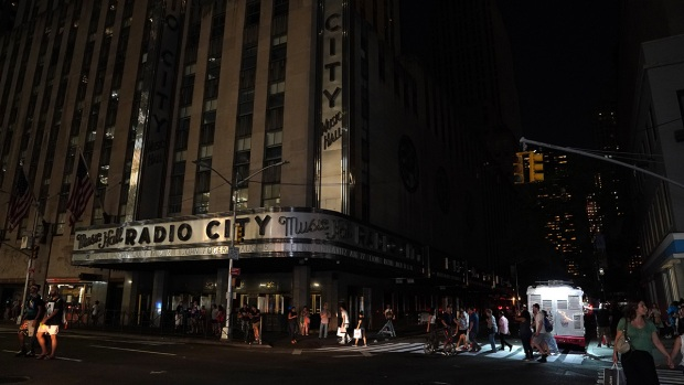 Power Restored After Blackout Hits 73K Manhattan Customers